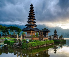 Full Day North Bali Tour, Ulun Danu Beratan Temple