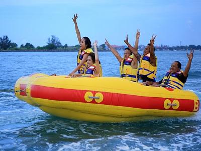 Bali Water Sports Tour, Donut Boat in Bali